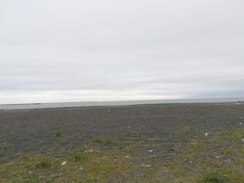 苫小牧の砂浜と海